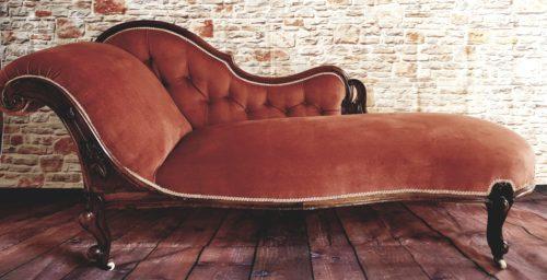 Antique Chaise Longue £100