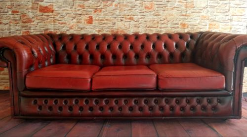 Three Seater Oxblood Chesterfield Sofa £120